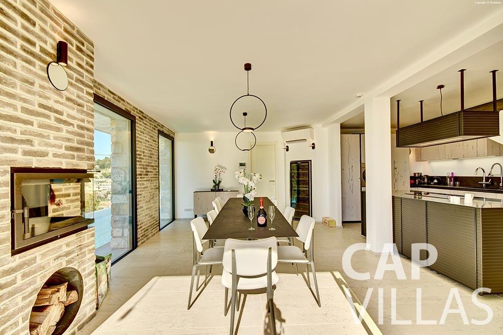 rent Villa Turbie la turbie cap dail dining area