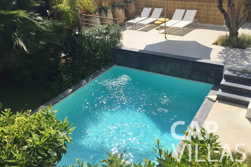 holiday rental eze sur mer laurence swimming pool