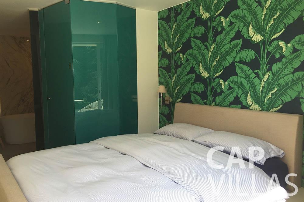 vacation rental eze sur mer laurence bedroom