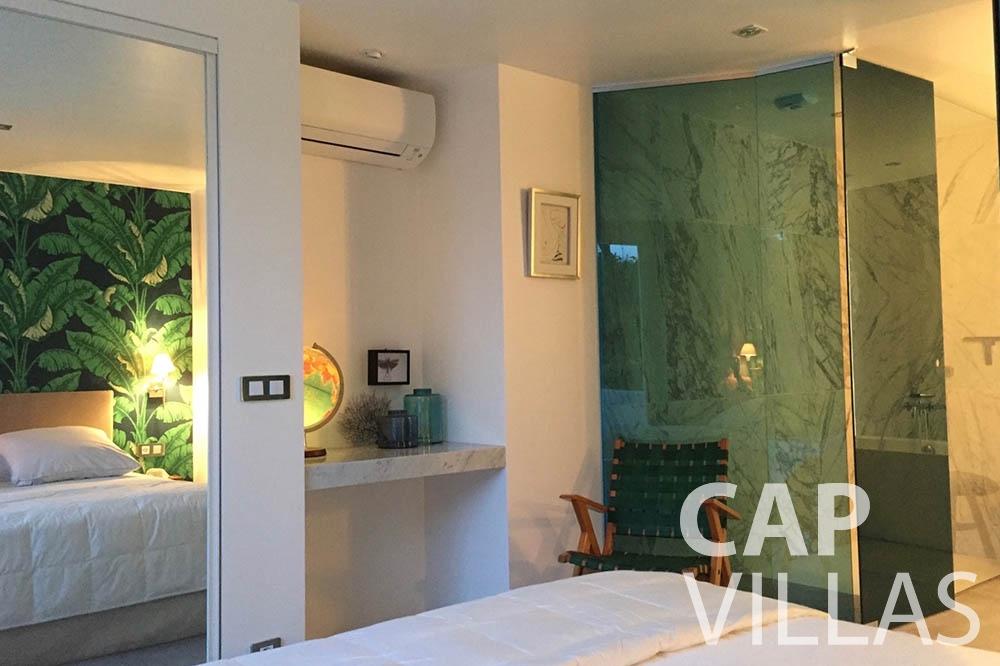 Villa Eze Sur Mer for let eze sur mer laurence bedroom