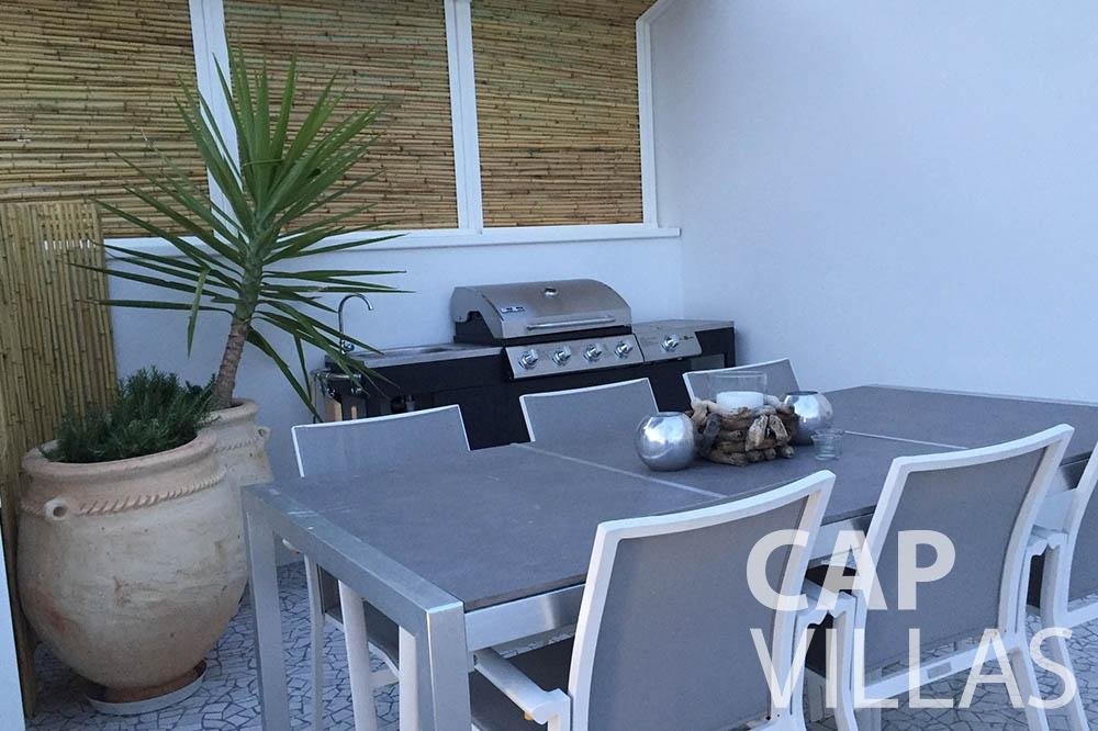 Villa Eze Sur Mer for let eze sur mer laurence outdoor dining area