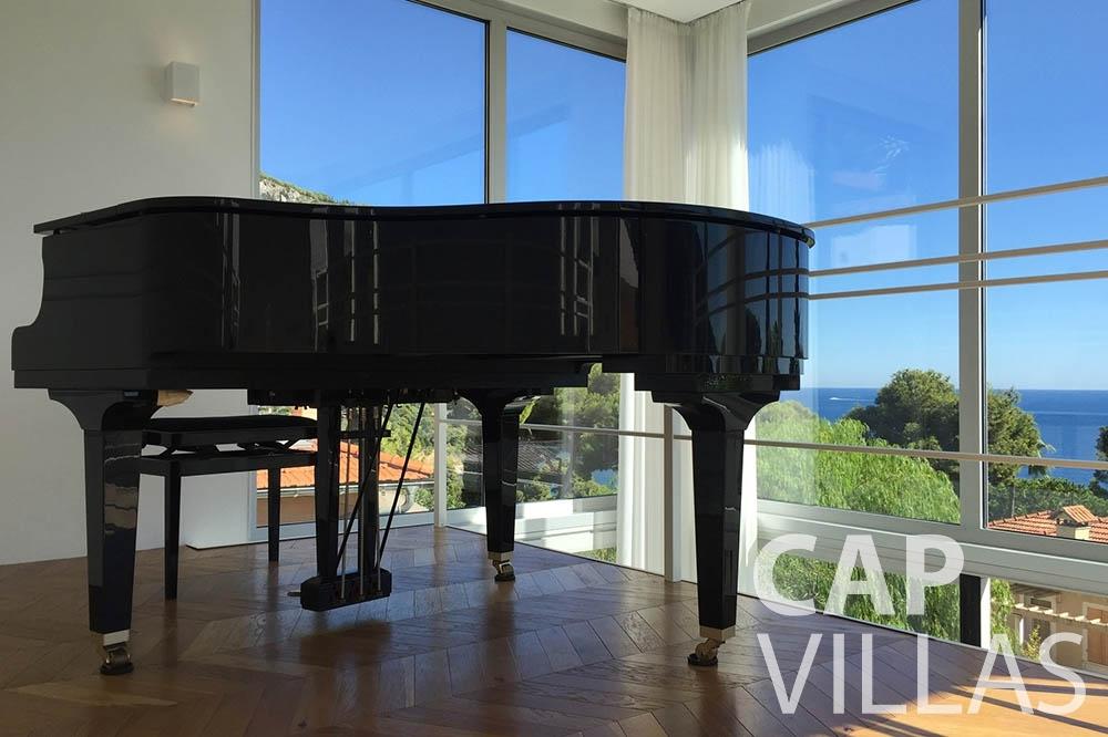 Villa Eze Sur Mer for let eze sur mer laurence piano