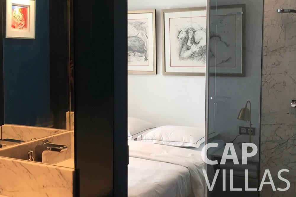 Villa Eze Sur Mer for rent eze sur mer laurence bedroom