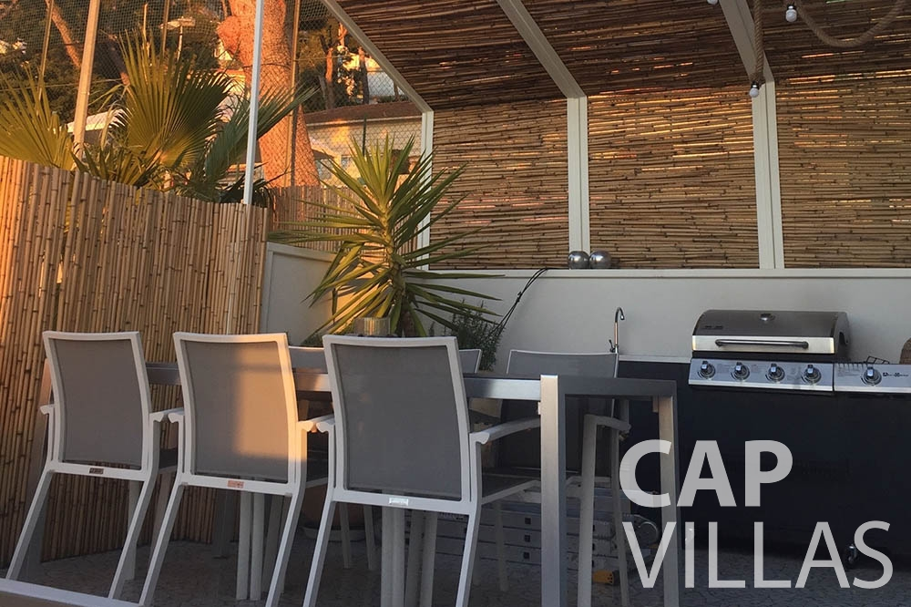 Villa Eze Sur Mer for rent eze sur mer laurence terrace dining area