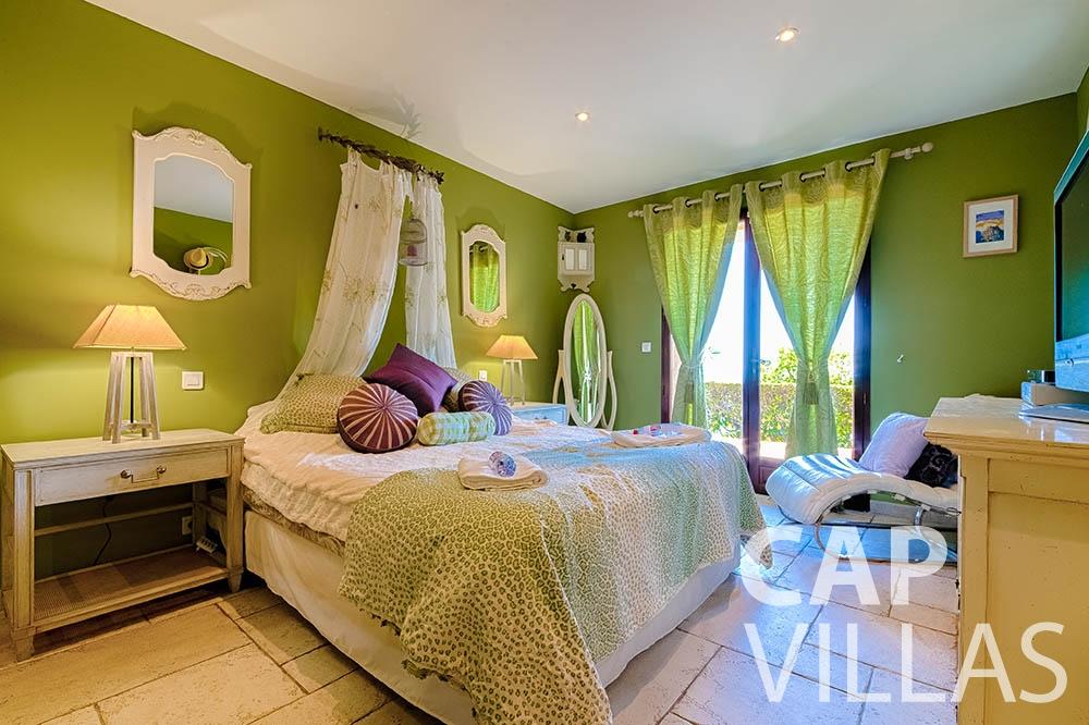 Villa Le Roc for rent eze le roc bedroom
