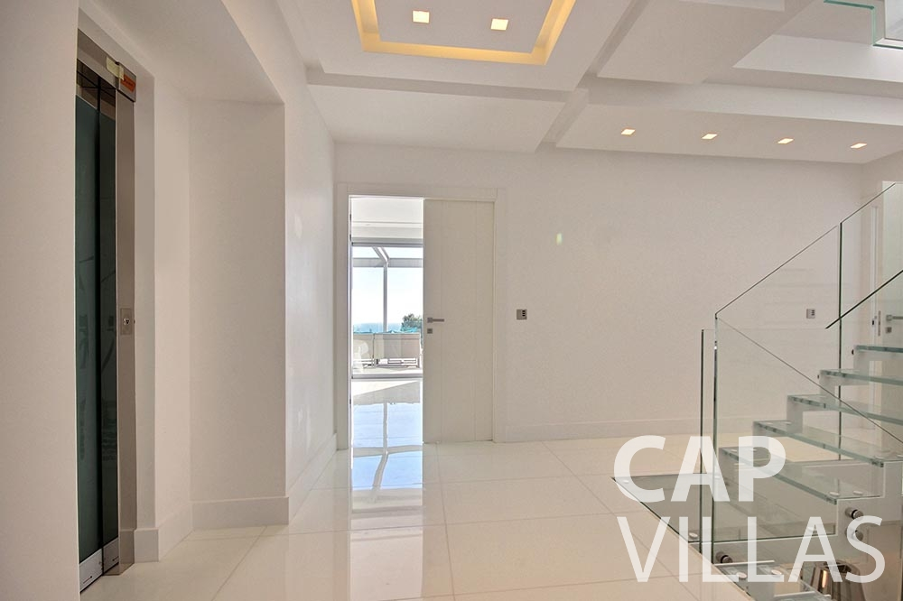 rent Villa Magnifique magnifique eze sur mer hallway