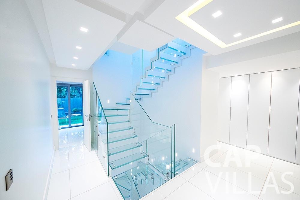 rent Villa Magnifique magnifique eze sur mer staircase