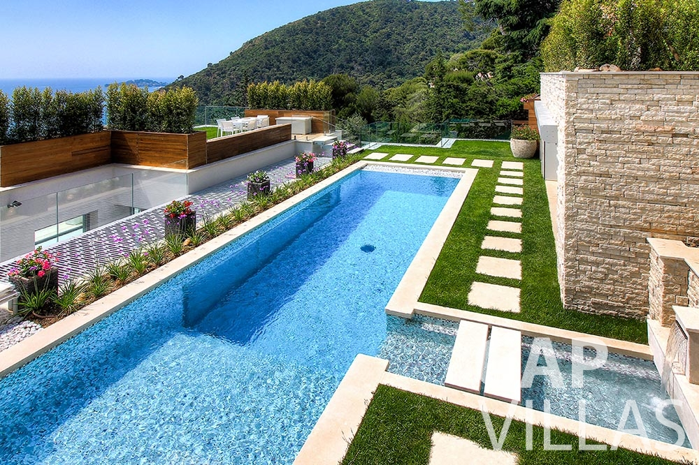 rent Villa Magnifique magnifique eze sur mer swimming pool birdview