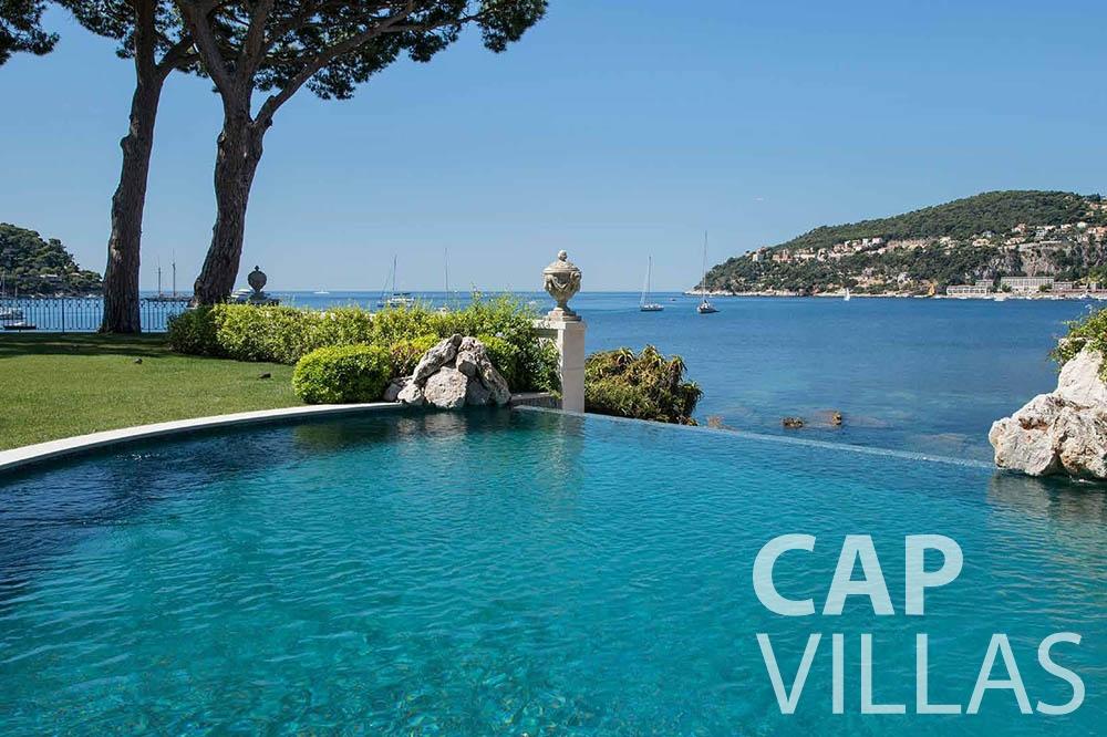 rent Villa Mas de La Rube cap ferrat mas de la rube swimming pool sea view