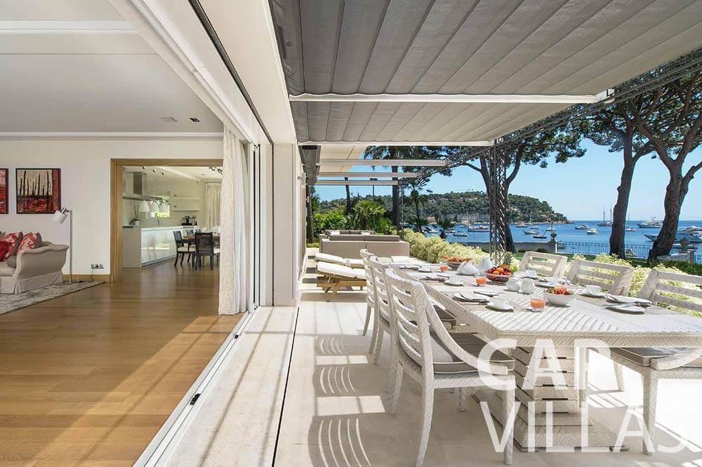 rent Villa Mas de La Rube cap ferrat mas de la rube terrace dining area
