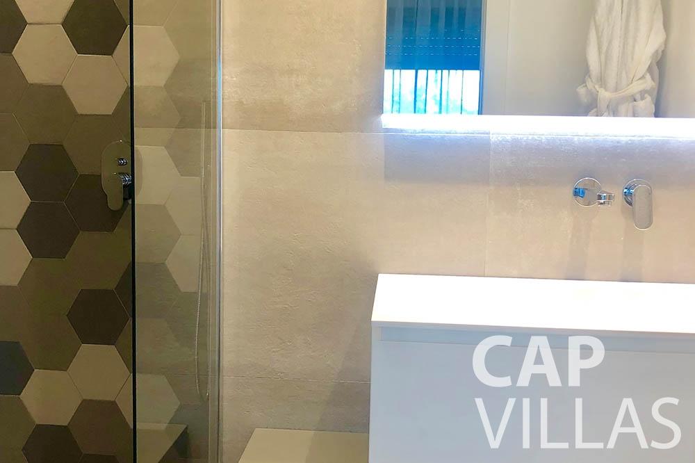 Villa Michelina for rent eze sur mer michelina batoom sink