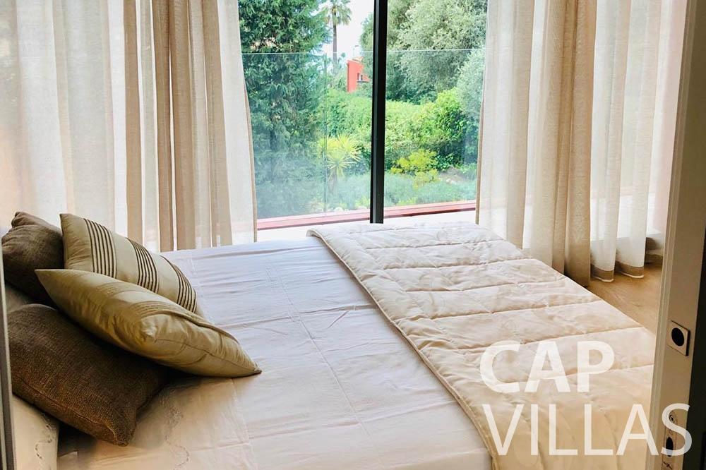 Villa Michelina for rent eze sur mer michelina bedroom