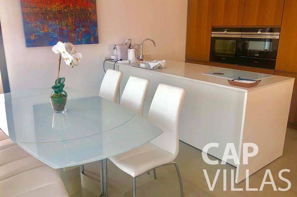 Villa Michelina for rent eze sur mer michelina dining area