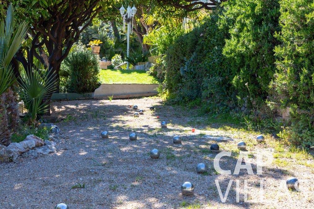 Villa Panarea for rent eze sur mer panarea bocce court