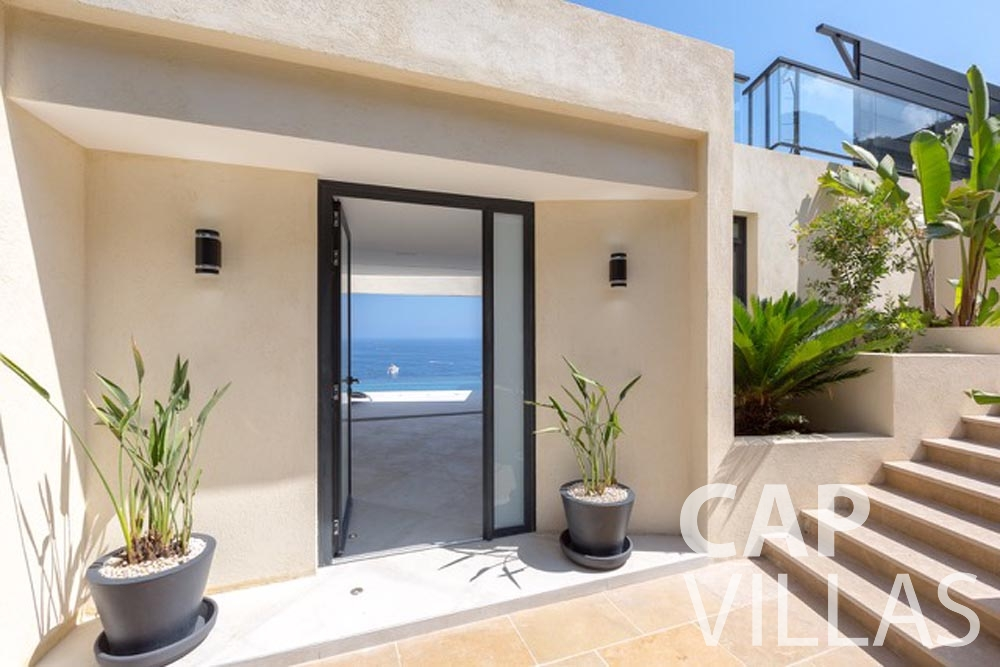 Villa Paros for rent eze sur mer paros entrance