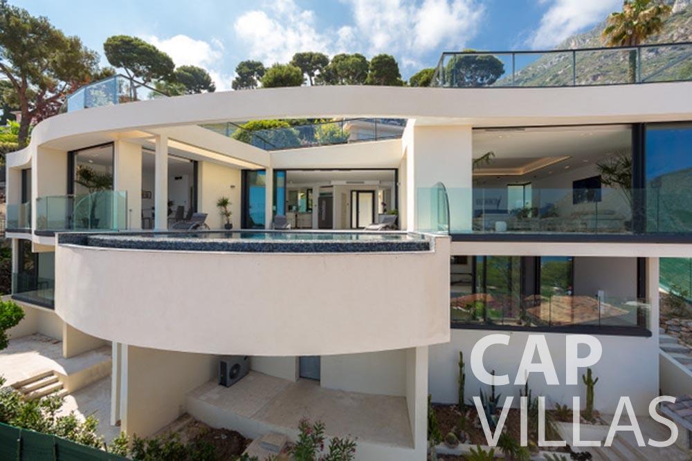 Villa Paros for rent eze sur mer paros front view