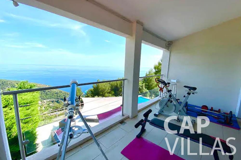 rent Villa Romina romina eze balcony
