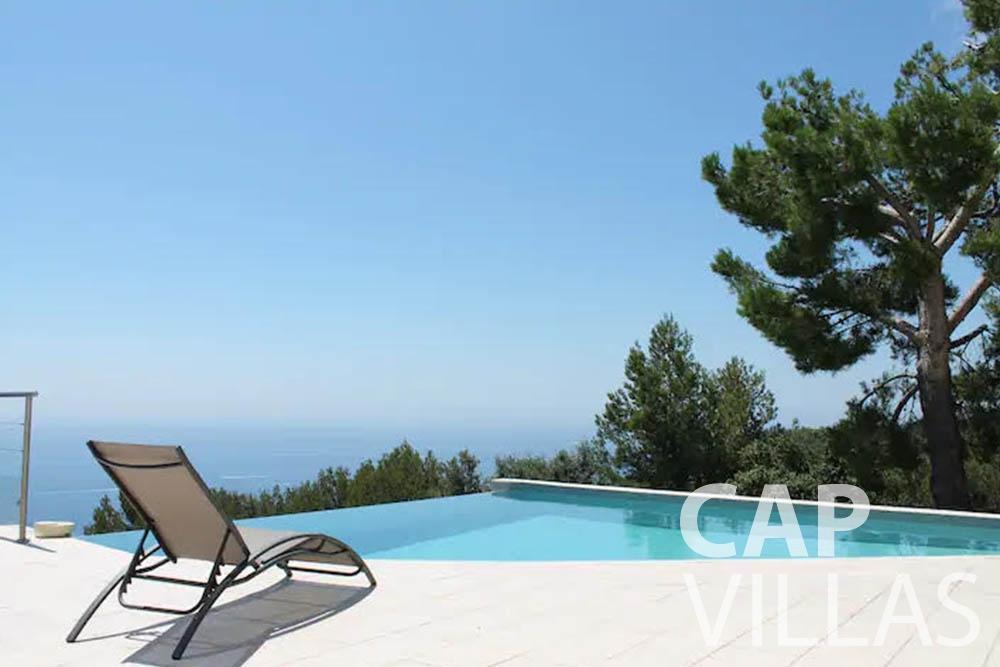 rent Villa Romina romina eze pool sea viewe
