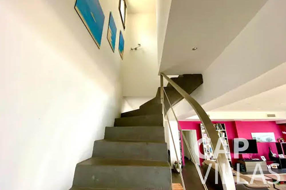 rent Villa Romina romina eze stairway