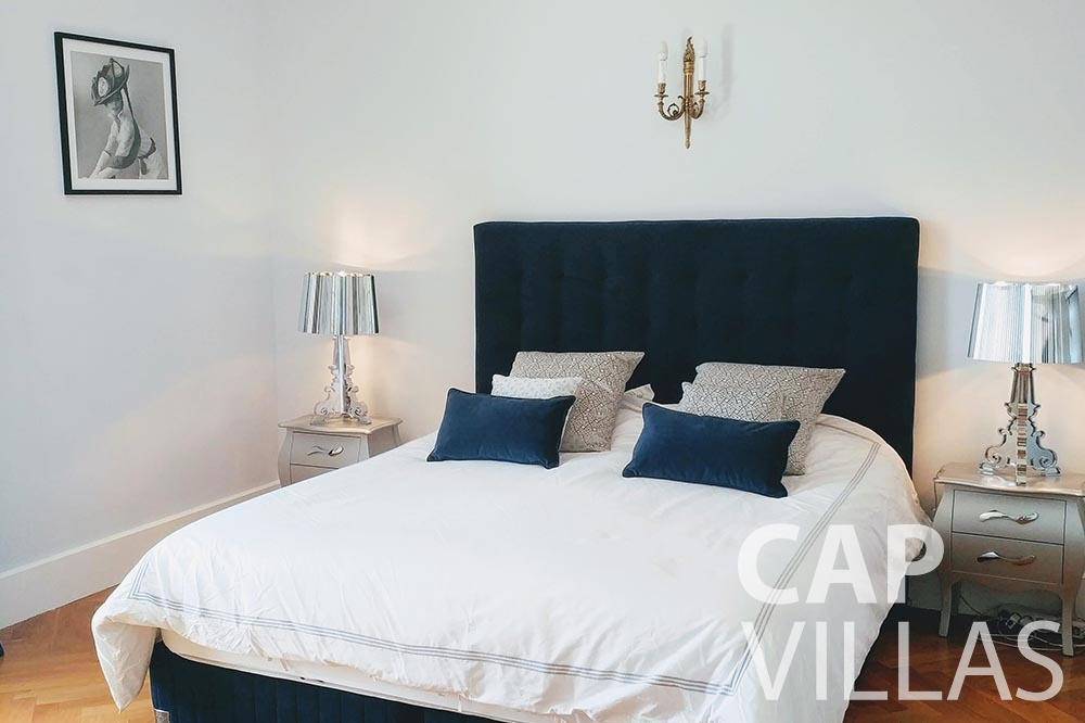 holiday rental semiramis villefranche sur mer bedroom