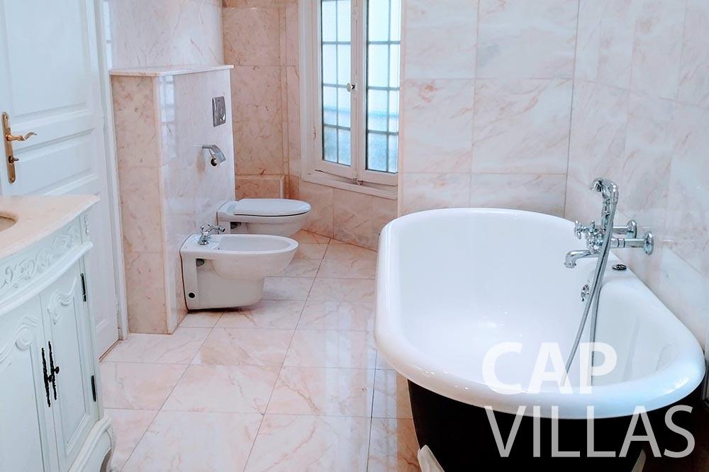 let Villa Royale semiramis villefranche sur mer batoom