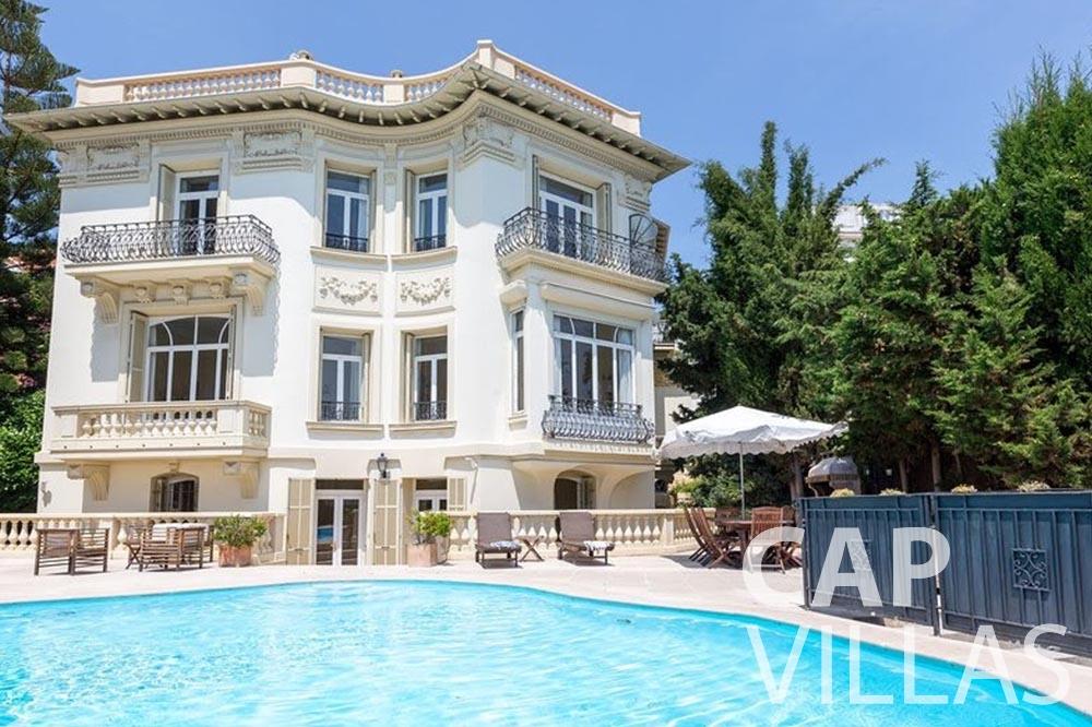 rent Villa Royale semiramis villefranche sur mer backyard