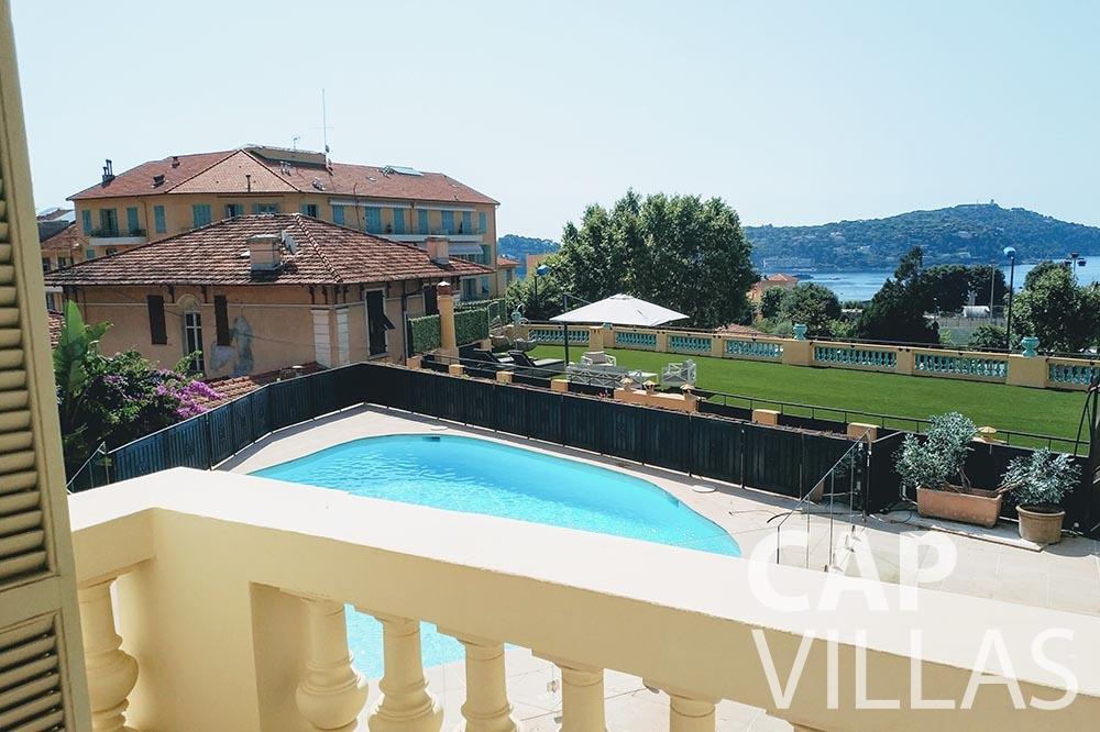 rent Villa Royale semiramis villefranche sur mer balcony