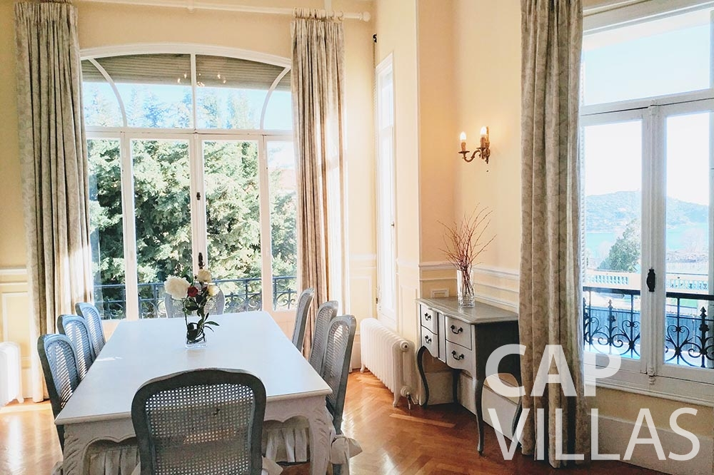 rent Villa Royale semiramis villefranche sur mer living area