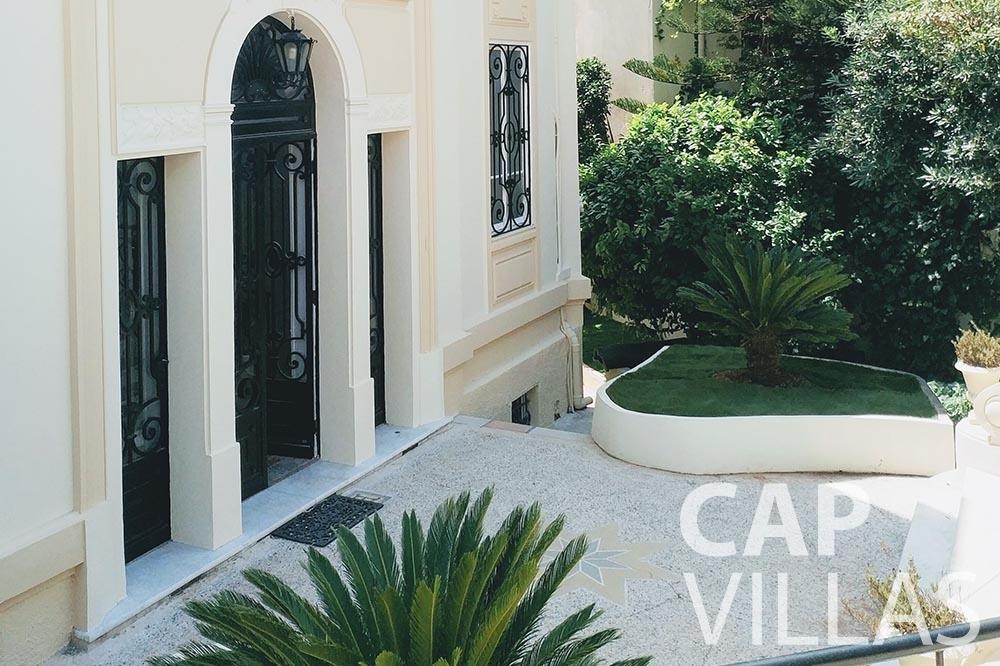 rent Villa Royale semiramis villefranche sur mer patio