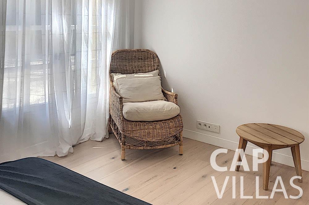 villa for sale moujins valeriya bedroom chair