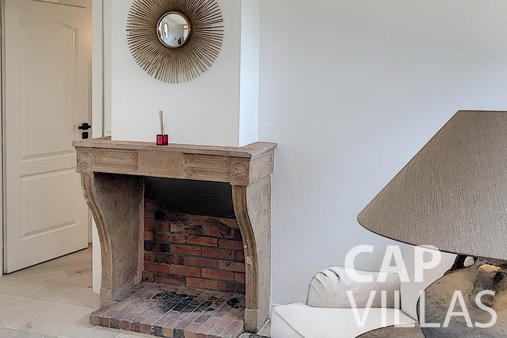 villa for sale moujins valeriya chimney