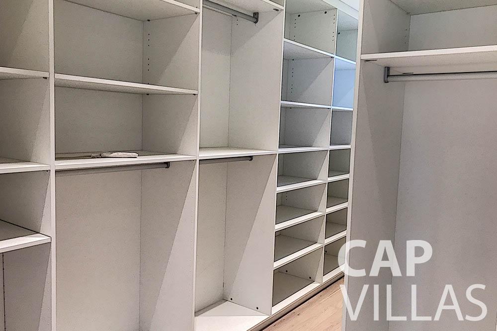 villa for sale moujins valeriya cloakroom