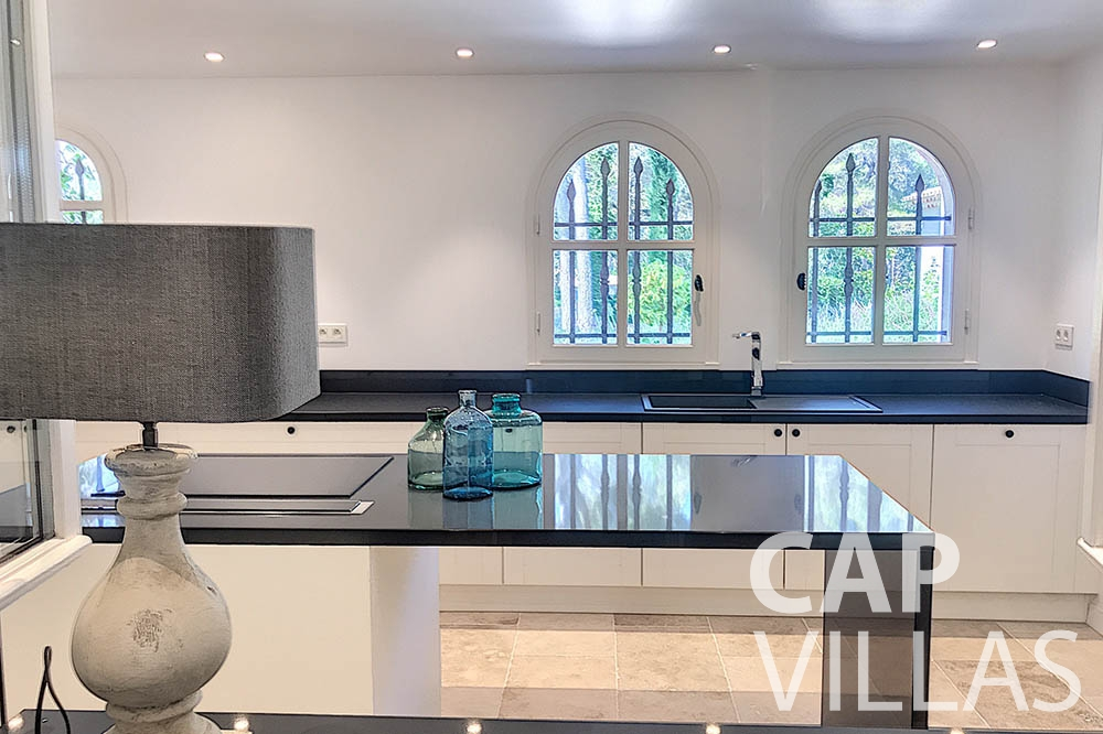 villa for sale moujins valeriya kitchen ()