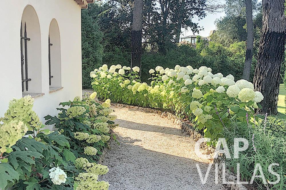 villa for sale moujins valeriya outdoor path