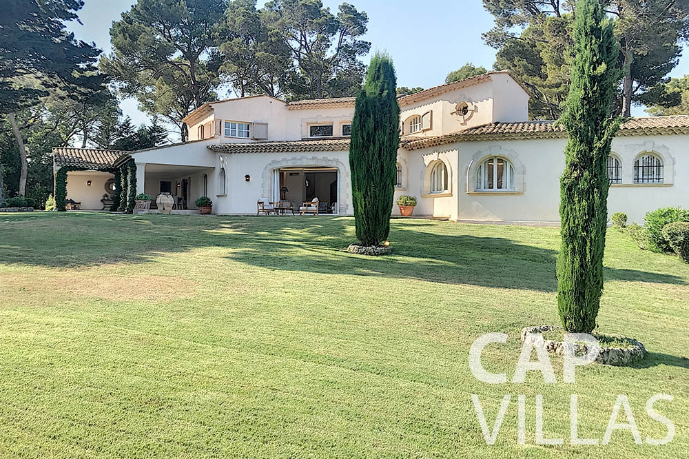 villa for sale moujins valeriya property view