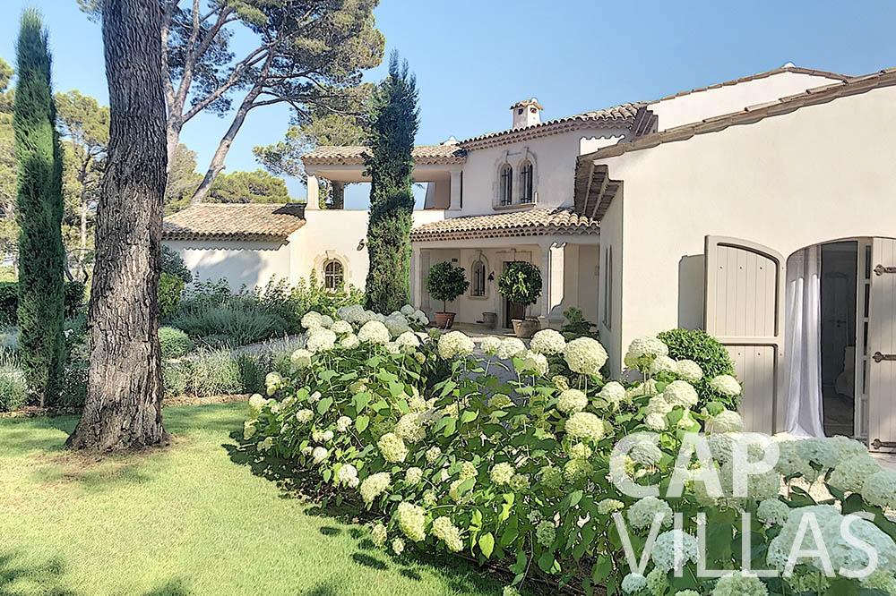 villa for sale moujins valeriya property view ()
