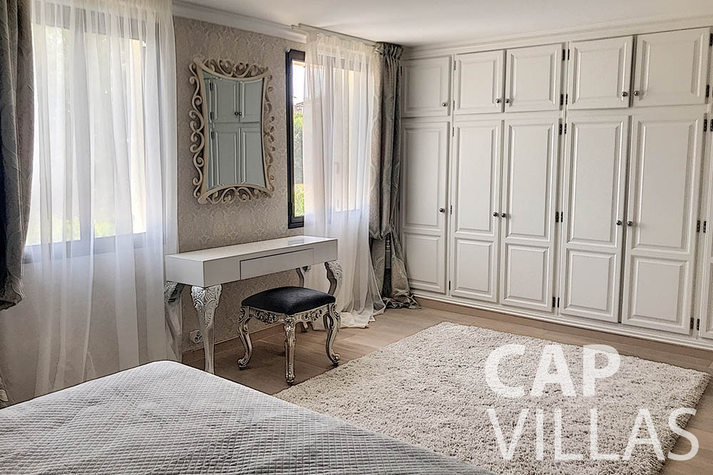 holiday rental cap de nice valery bedroom