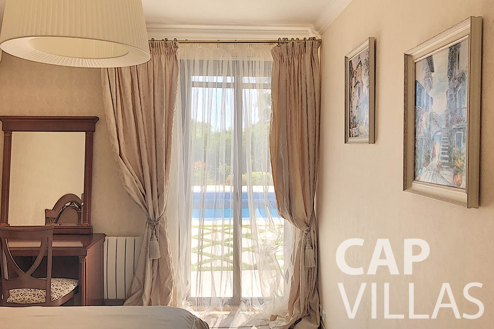 rent a Villa Valéry cap de nice valery bedroom