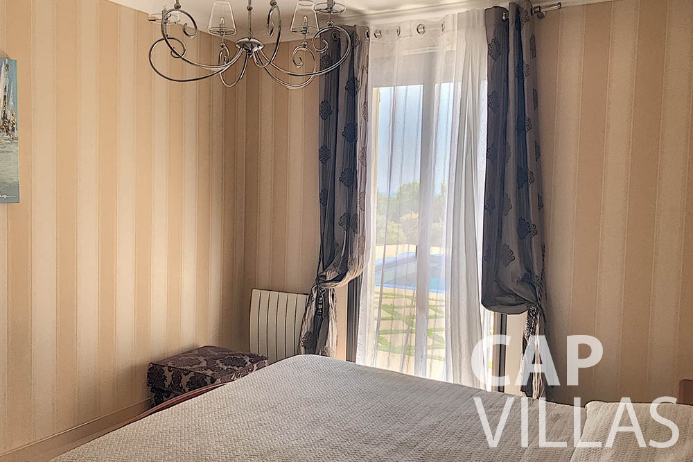 rent Villa Valéry cap de nice valery bedroom