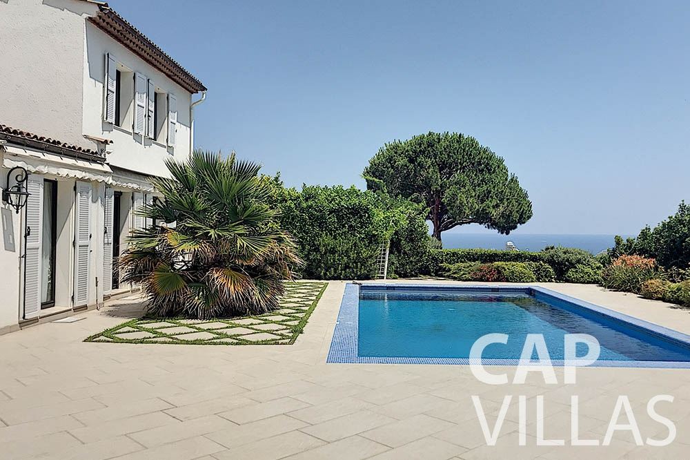 rent Villa Valéry cap de nice valery swimming pool