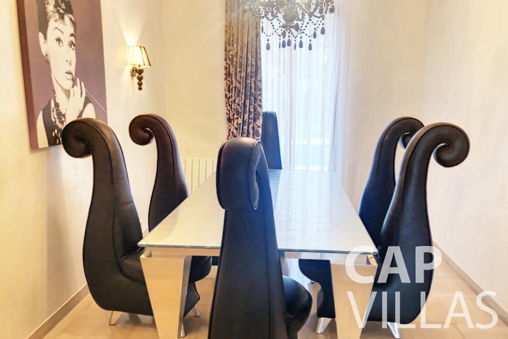 Villa Valéry for let cap de nice valery dining area