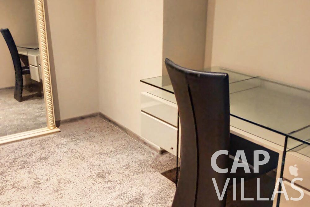Villa Valéry for rent cap de nice valery room desk