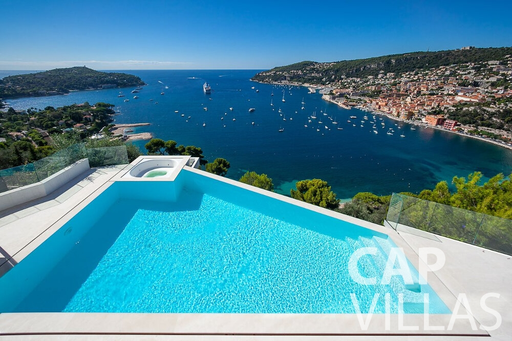 rent Villa Marguerita villefranche swimming pool