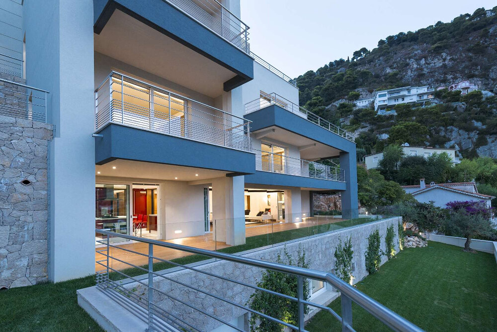 Outside view of a modern holiday house for sale in Villefranche sur Mer