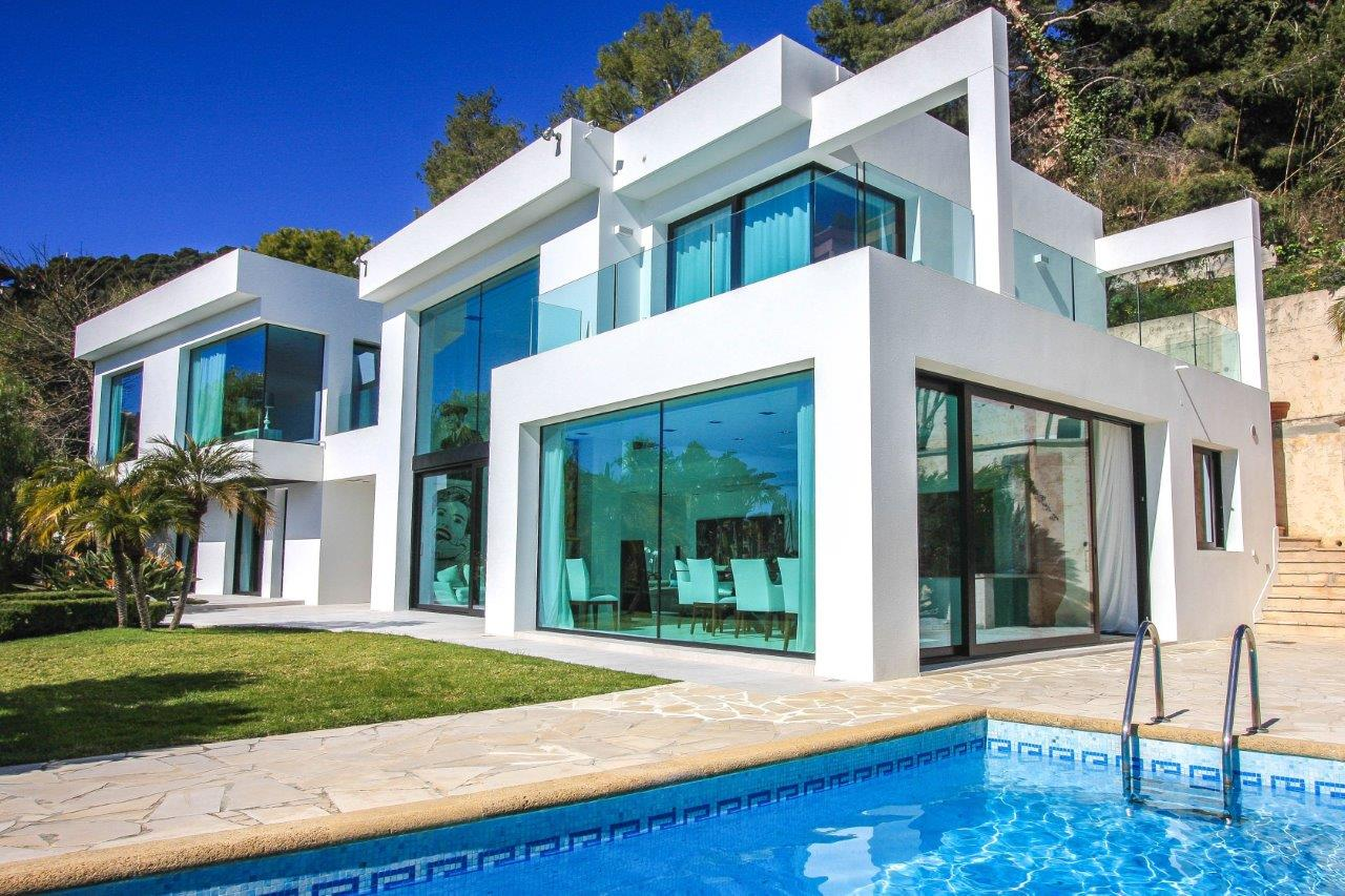 Luxury Villa with Swimming Pool in Roquebrune Cap Martin